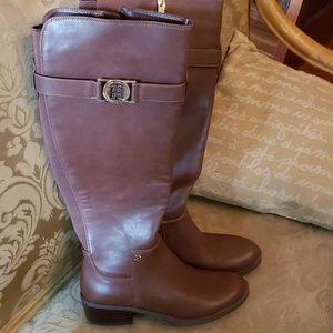 👢Tommy Hilfiger Boots Size 6 Medium👢